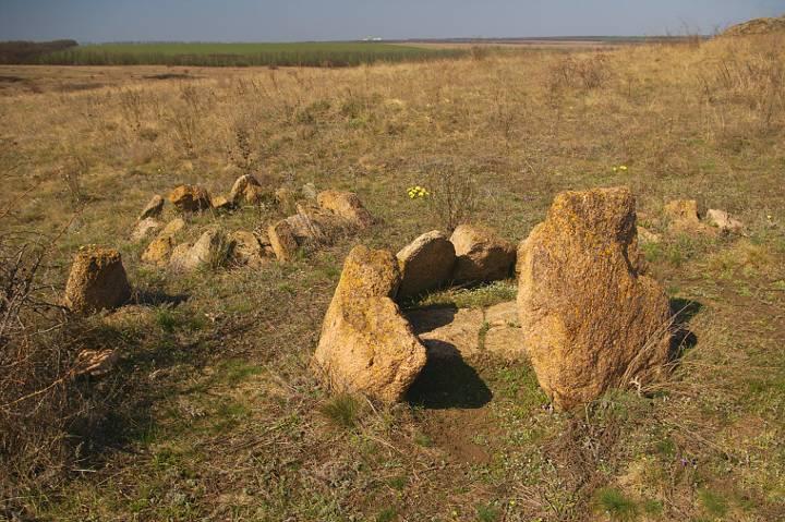 кромлех каменные могилы