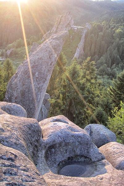Урицкий культовый скальный комплекс