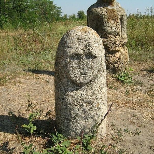 Каменная могила каменные бабы