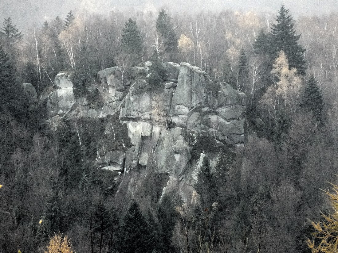 Скалы в Ямельнице