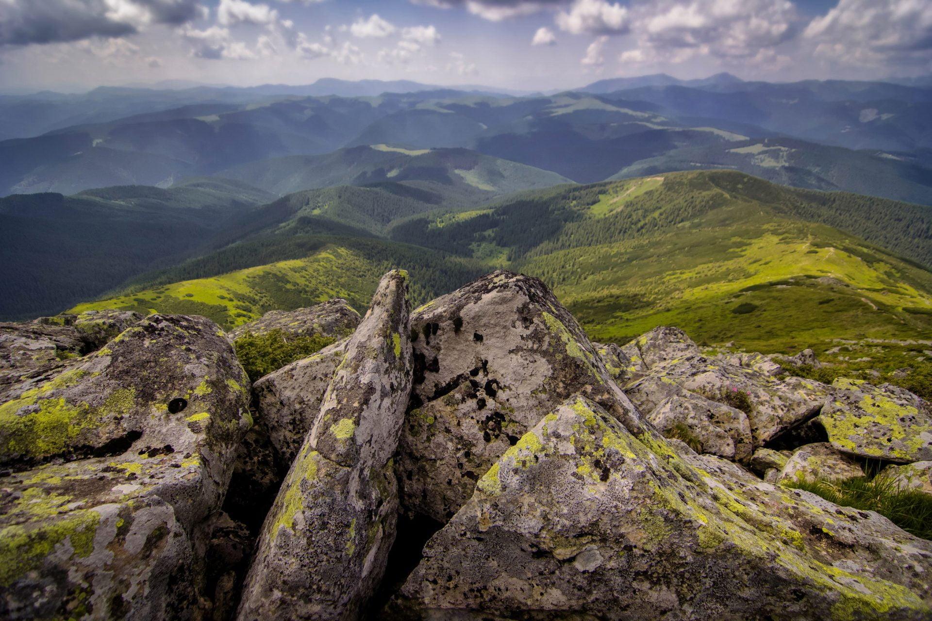 Чорногорский Хребет